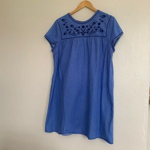 Old Navy Embroidery like Jean Short Sleeves Dress